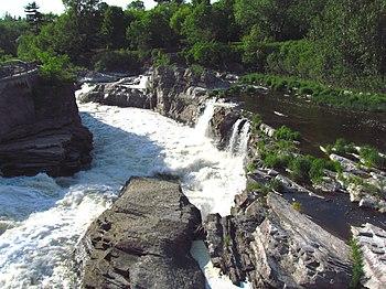 English: Lower portion of Hog's Back Falls, Ri...