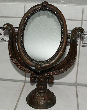 English: Old make-up mirror. Deutsch: Alter Sc...