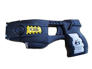 English: Police issue X26 TASER