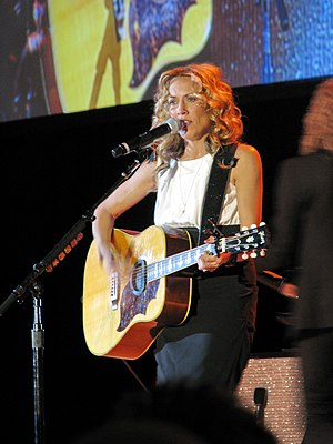 English: Sheryl Crow performing at the Midwest...