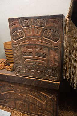 Tlingit cedar box (22928996829)