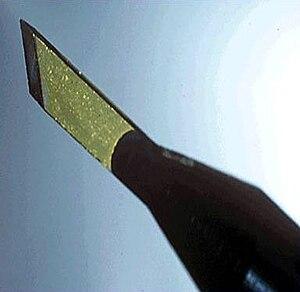 English: Diamond scalpel
