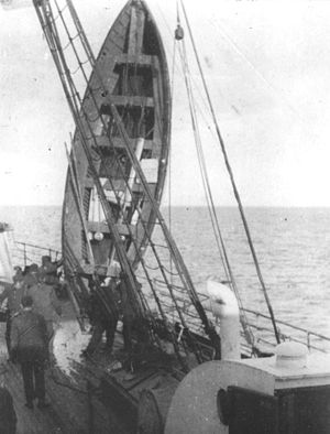 Boat number 12 of Titanic, in morning of the 1...