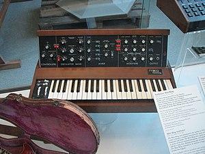 A Minimoog! : Robert Moog, Brooklyn, NY/USA, 1978