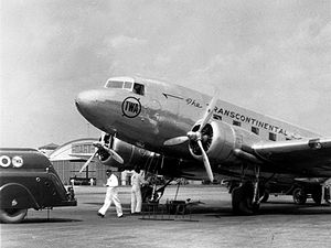 English: A TWA Douglas DC-3 airplane is prepar...