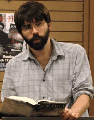 Joe Hill at a book signing.