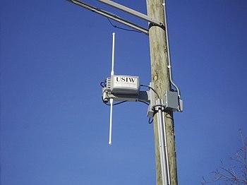 English: A photograph of a metro Wi-Fi antenna...