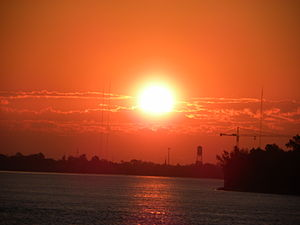 English: A beautiful morning at mississippi river