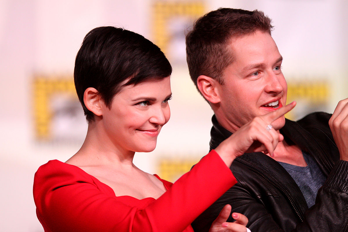 Ginnifer Goodwin & Josh Dallas (7600483638).jpg