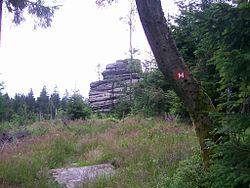 Der kleine Waldstein mit Höhenweg-Markierung