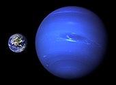 नेपच्युन का आकार(पृथ्वी की तुलना मे)