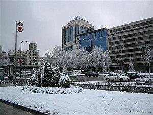 English: Snowfall in Paseo de la Castellana (a...