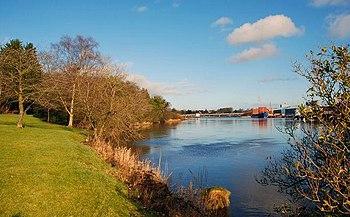 English: The River Bann, Coleraine (3) The vie...
