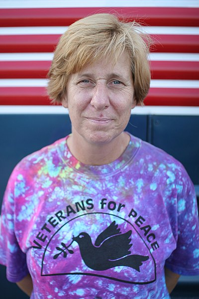 https://i1.wp.com/upload.wikimedia.org/wikipedia/commons/thumb/d/d6/Cindy_Sheehan_VFP.jpg/400px-Cindy_Sheehan_VFP.jpg