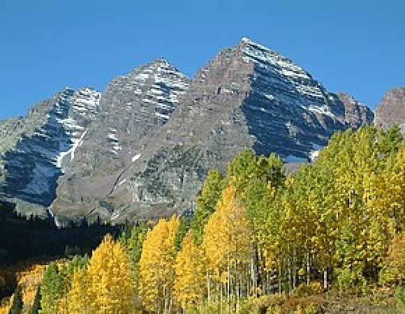 English: The Maroon Bells mountain near Aspen,...