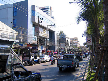 Pattaya Beach Road with Mike Sopping Mall
