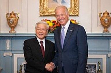 Trọng with U.S. Vice President Joe Biden, 7 July 2015