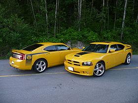 2007 Dodge Charger SRT8 Super Bee.jpg