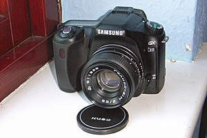 Samsung GX-1S DSLR camera.