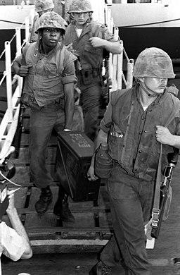 US Marines depart USS Coral Sea (CV-43) after Mayagüez incident