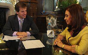 Español: La presidenta Cristina Fernández reci...