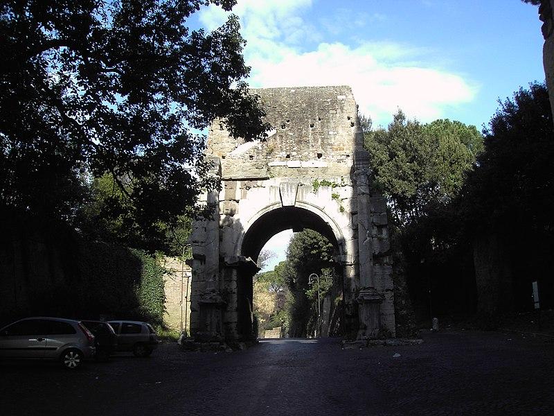 File:Celio - arco di Druso 1979.JPG