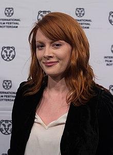 Emily Beecham Wikipedia