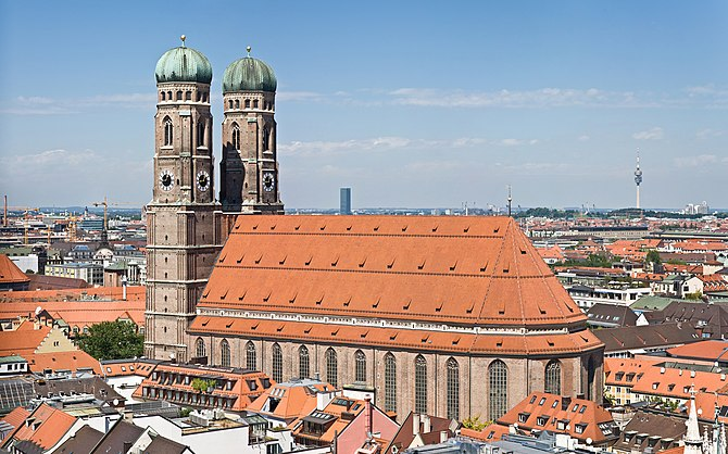 English: Frauenkirche (Church of Our Blessed L...