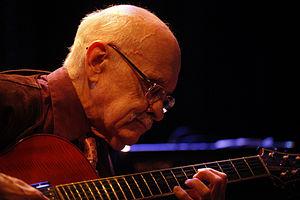 È morto il chitarrista Jim Hall, padre della chitarra jazz moderna.