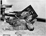 Duitse nazigeneraal in Leipzig die zelfmoord heeft gepleegd om niet levend in handen te vallen van de Geallieerden