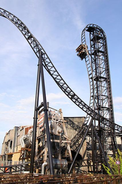 English: roller coaster SAW – The Ride at Thor...