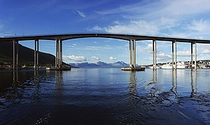 English: A road bridge at Tromsø, Norway