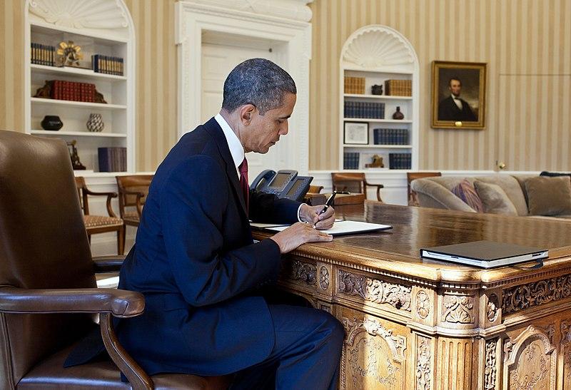 File:Barack Obama signs Executive Order.jpg