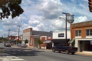English: Main Street, Louisa, Virginia.