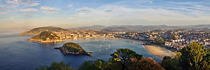 English: Panorama of San Sebastian with the &q...