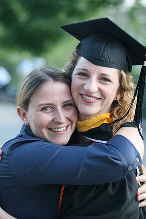 English: Graduation hugs
