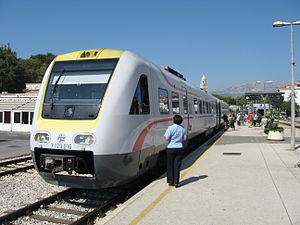 English: Train from Zagreb in Split station.