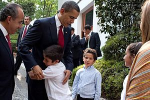 President Barack Obama bids farewell to the fa...