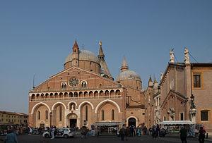 English: Basilica Santo Antonio in Padova, reg...
