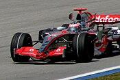 Fernando Alonso en su MP4/22 en el Gran Premio de Malasia de 2007, en el que ganó.