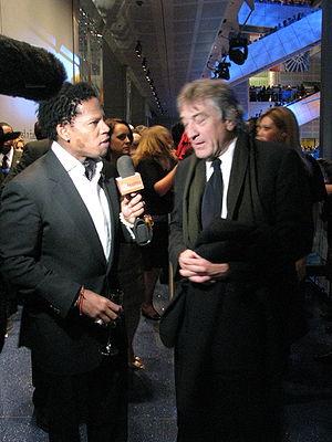 D. L. Hughley, and Robert De Niro.