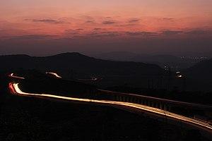 English: Mumbai Pune expressway as seen from K...