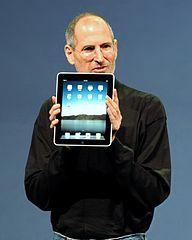 https://i1.wp.com/upload.wikimedia.org/wikipedia/commons/thumb/e/e0/Steve_Jobs_with_the_Apple_iPad_no_logo_%28cropped%29.jpg/192px-Steve_Jobs_with_the_Apple_iPad_no_logo_%28cropped%29.jpg