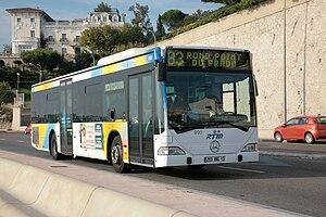 Français : Bus RTM, ligne 83 en direction du R...