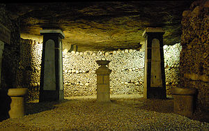 English: Catacombs of Paris Français : Catacom...