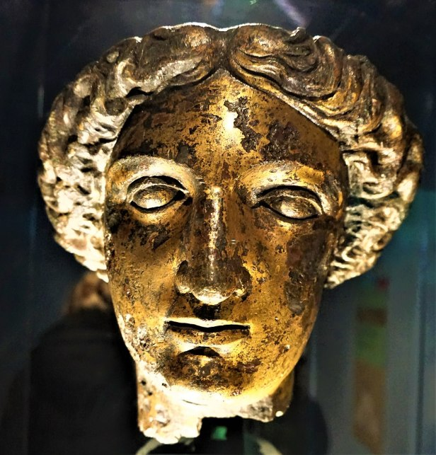 Head of the goddess Sulis Minerva - www.joyofmuseums.com - Roman Baths (Bath)