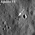 Tapak pendaratan Apollo 11 dari orbit bulan - Wikipedia