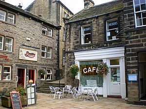 English: Beatties and Checkers Cafe, Holmfirth