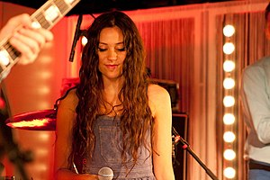 Eliza Doolittle performing at the Q-Music studios
