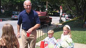 Sen. Joe Biden buys lemonade at the 2007 Itali...